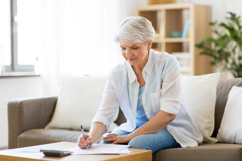woman applying for income tax arrears